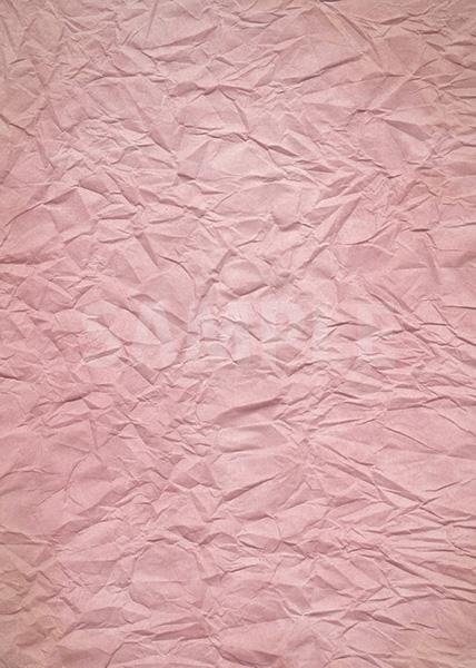 ピンク色のしわくちゃの紙のA4サイズ背景素材