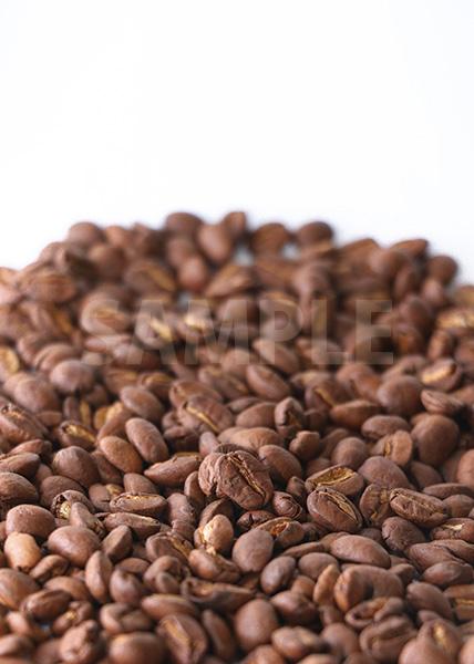 コーヒ豆が下2/3に広がるA4サイズ背景素材