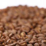 積もったコーヒ豆のA4サイズ背景素材