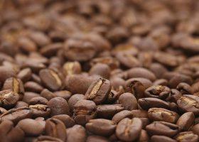中央ピン合わせのコーヒ豆、A4サイズ背景素材