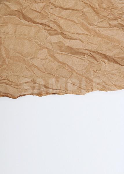 破れたくしゃくしゃの紙のA4サイズ背景素材