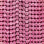ピンク色のスパンコールがキラリと光るA4サイズ背景素材