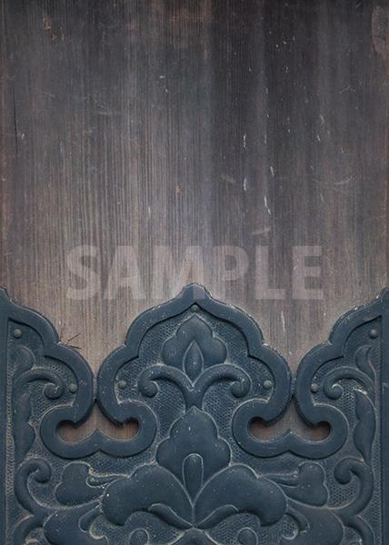 木材へ和風装飾のA4サイズ背景素材