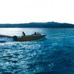 海の上のボートのA4サイズ背景素材