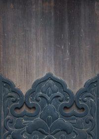 木製の柱への和風装飾のA4サイズ背景素材