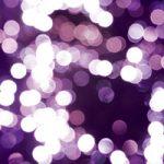 紫色にぼやけた光のA4サイズ背景素材