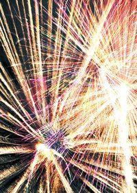 花火が炸裂したA4サイズ背景素材