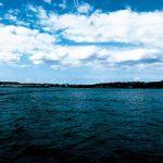 海から見る島のA4サイズ背景素材