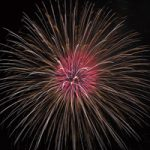 打ち上げ花火のA4サイズ背景素材