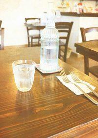 木製のテーブルのA4サイズ背景素材