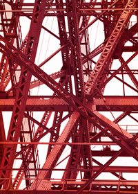 東京タワーの入り組んだ鉄骨のA4サイズ背景素材