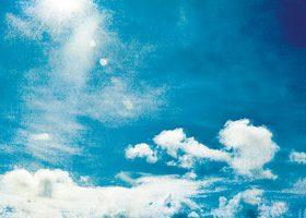 絵画のような青い空のA4サイズ背景素材